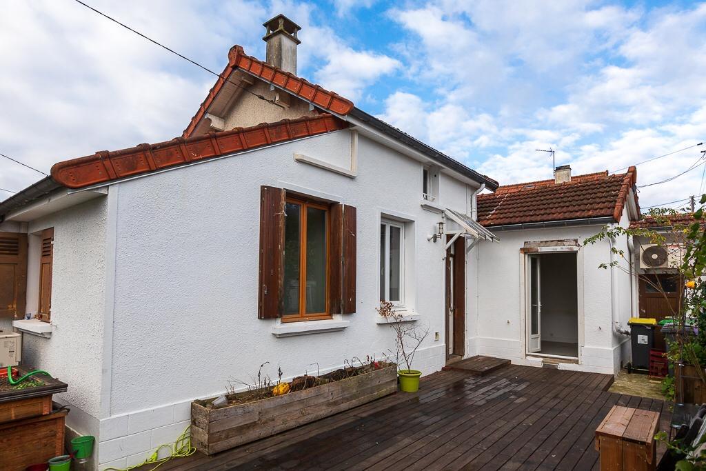 FOSSES, 3 Bedrooms Bedrooms, ,1 la Salle de bainBathrooms,Maison / Villa,A Vendre,1103