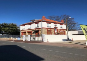 Aulnay Sous Bois, 11 Bedrooms Bedrooms, ,6 BathroomsBathrooms,Maison / Villa,A Vendre,1044